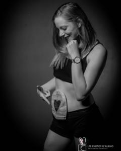 Femme avec une stomie